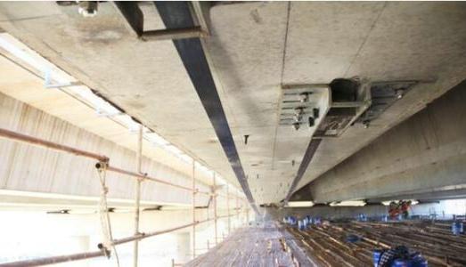 桥梁体外预应力钢索加固技术的突出优势