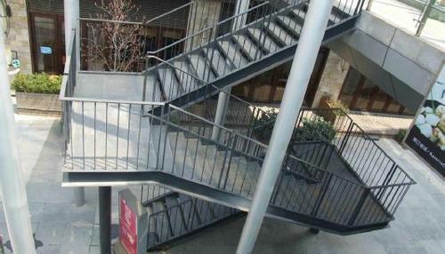 钢结构楼梯设计